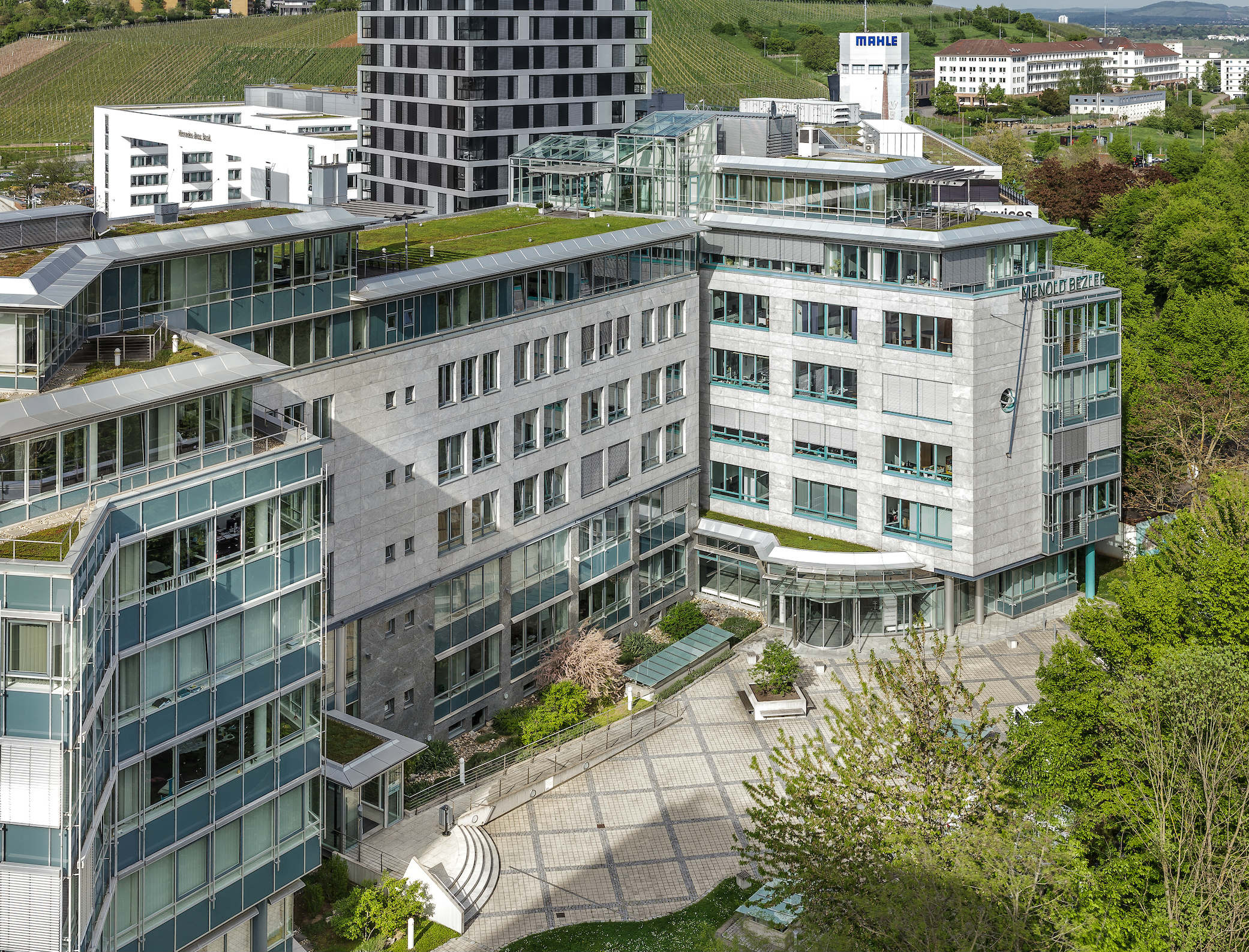 Hines exceeds €720m in final close of Europea    | propertyEU