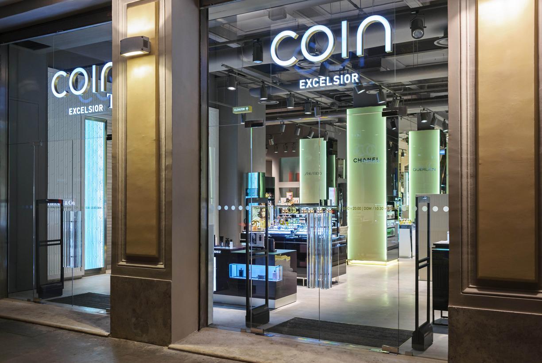 Bmo real estate partners buys rome 39 s coin lux propertyeu for Negozi arredamento padova